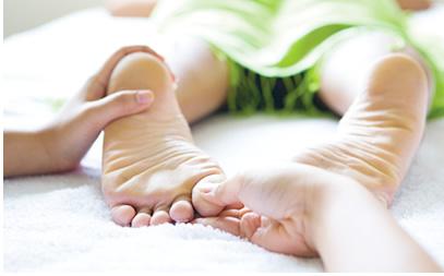 Impuls-Strömen an den Füßen